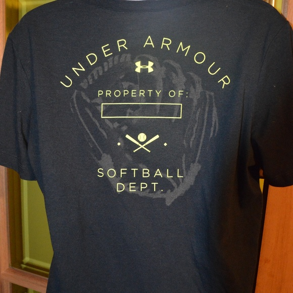 Under Armour Tops - Under Armour top, size large